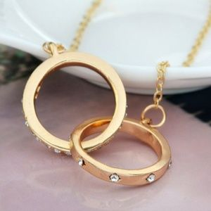 Linked Ring Gold Necklace